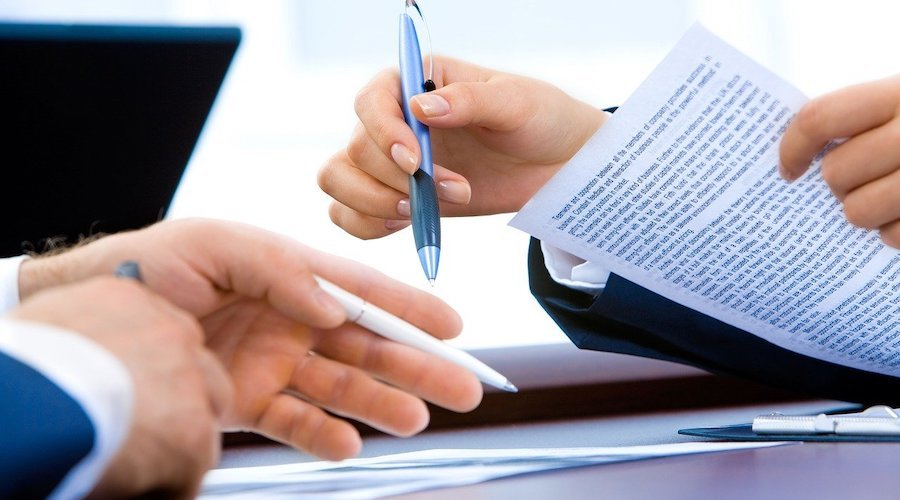 Employment Law in the UK: Employment contracts and wages