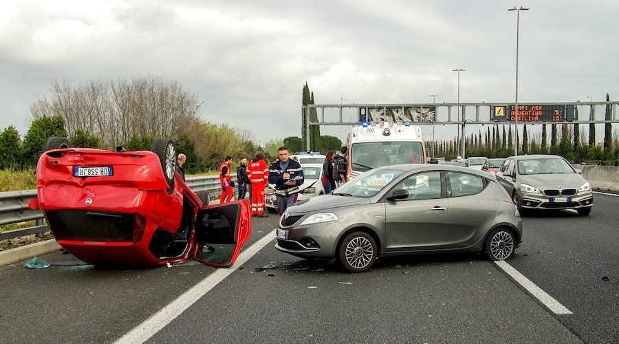 What are the legal requirements in case of road traffic accidents?